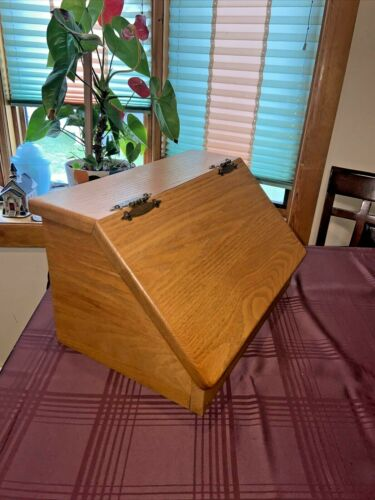 VINTAGE WOODEN BREAD BOX WITH HINGED LID 17x10x11