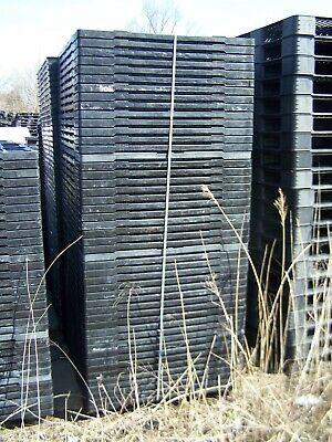 50 Cbp330 39.5x47 Nesting Stackable Plastic Pallets