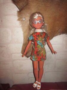 Ancienne poupée mannequin vintage Corinne d'Italocrémona 1965 - France - État : Occasion: Objet ayant été utilisé. Consulter la description du vendeur pour avoir plus de détails sur les éventuelles imperfections. ... Ere/ Année: Années 1960 Matériel: Plastique dur/ Polystyrene Taille: 40 cm Genre: Fille Pays  - France