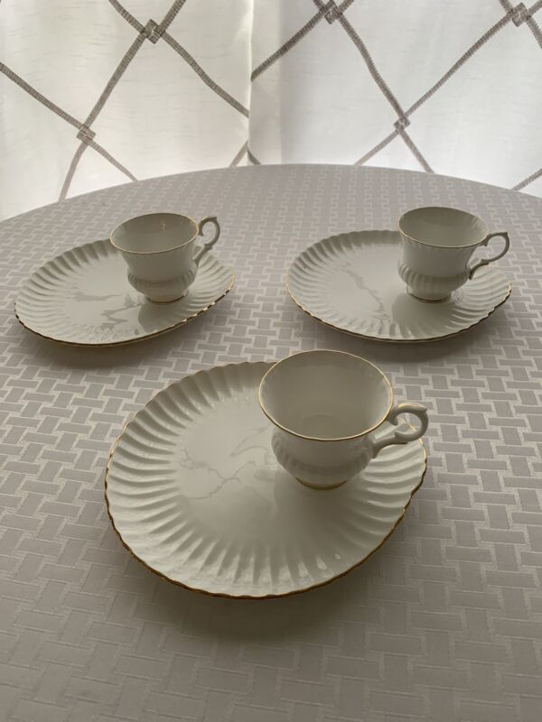 Vintage Crown Staffordshire Snack Plates & Cups Made In England