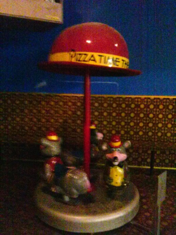 VINTAGE RARE!!!!! Arcade Chuck E Cheese Carousel Merry Go Round Kiddie Ride