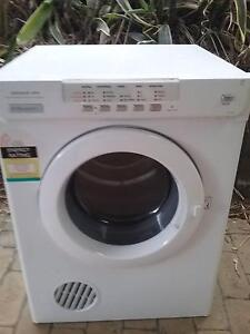 Electrolux 6kg Automated Sensor Clothes Dryer Camira Ipswich City Preview