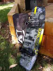 New Ronix Mens 143cm Wakeboard w/ boots and cover West Swan Swan Area Preview