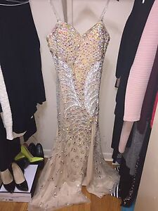 BEAUTIFUL DRESS FOR PROM!!!
