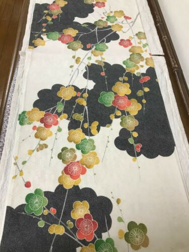 @@ 170 cmx 35 cm  Japanese kimono silk fabric/ smooth weave/ cream, black D62