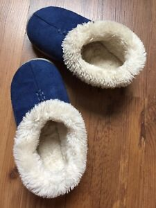Toddler size 7 Slippers