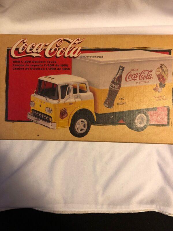 Vintage Coca-cola coke 1958 C-800 Delivery Tuck 1998 NIB 1:25