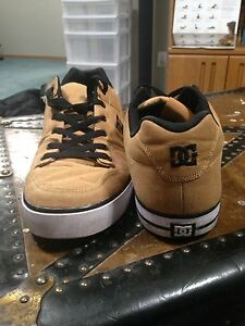 DC Shoes sz 13