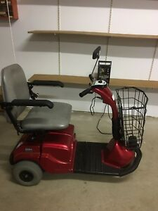 Mobility Scooter: Optiway mobile scooter great condition