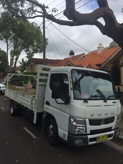 Truck 2011 Mitsubishi  Fuso Canter. Auto. Very clean. Table top.