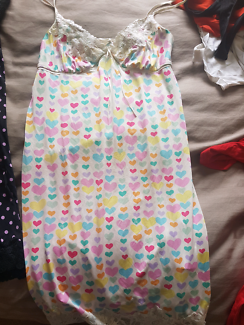 Maternity clothing - lots!!