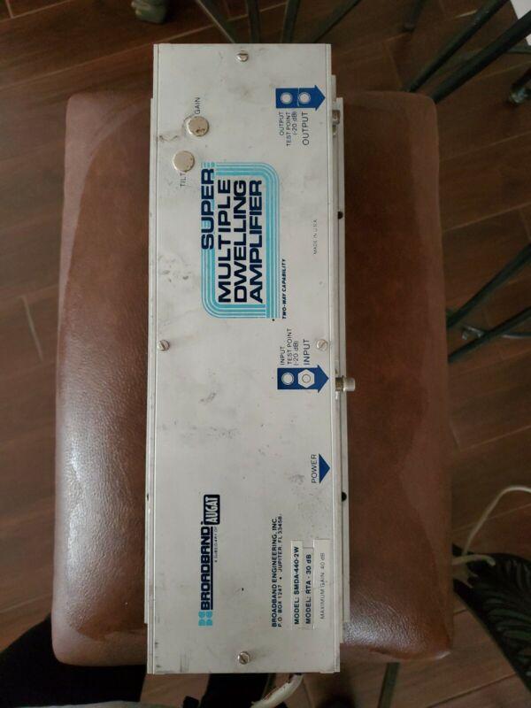Augat Broadband Flexible Multiple Dwelling Amplifier SMDA 440 2W, RTA 30dB