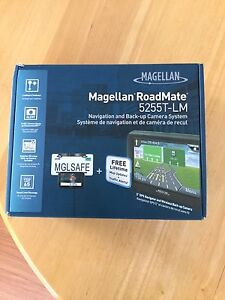 Magellan RoadMate 5255T-LM GPS with Backup Camera System