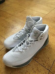 Curry 3's Sugar Raw size 12 Men's