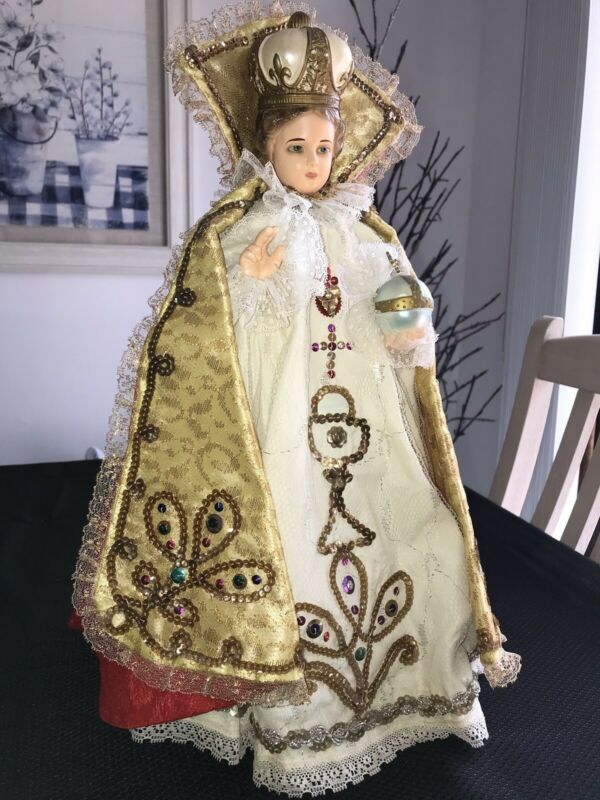 """Jesus Infant of Prague Statue with (2) Handmade Vestments 17"""" High 1960s"""