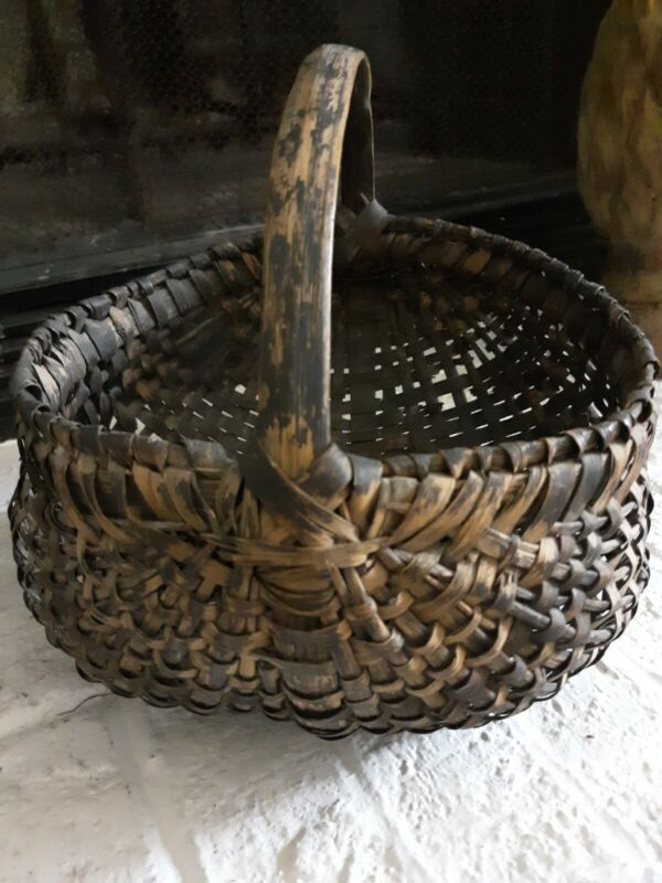 Primitive buttocks basket