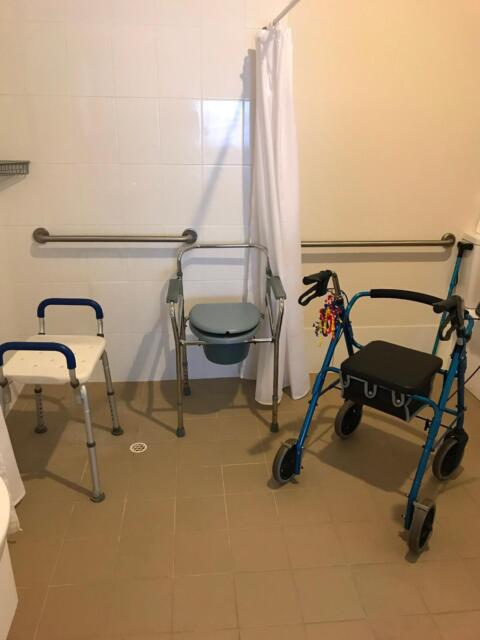 4 Wheeled Walking Frame / Shower Stool / Commode Chair ...