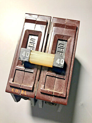 Wadsworth 40a Double Pole 220v Circuit Breaker With Metal Tabs