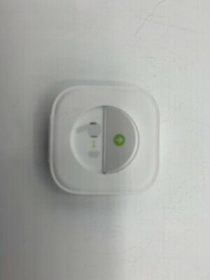 Genuine Apple AirPod PRO Ear Tips - comes with Large/Small ear tips White - NEW