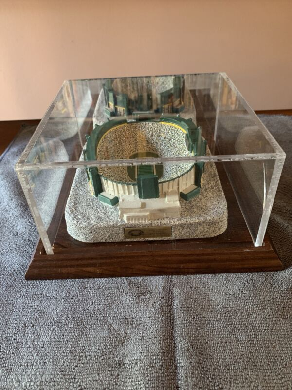 1996 Packers Lambeau Field Replica with Display Case Limited Series 2116/4750