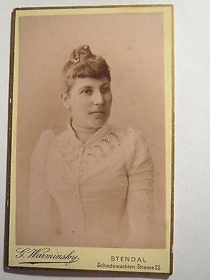 Stendal - Frau im Kleid - Portrait / CDV