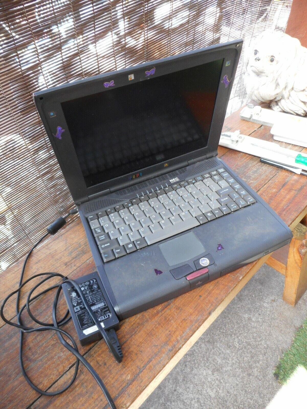 Laptop Windows - vintage NEC Windows 95 laptop