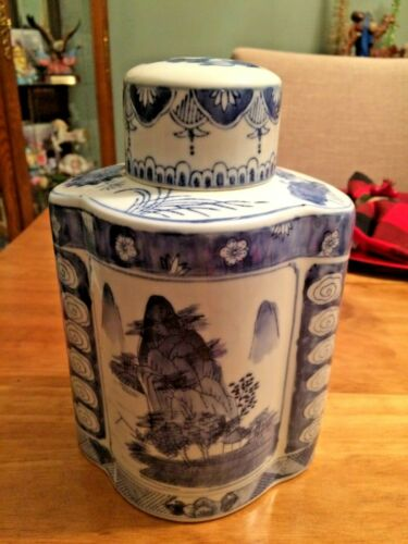 Gorgeous Blue and White Porcelain Qianlong Export Style Tea Caddy Ginger Jar