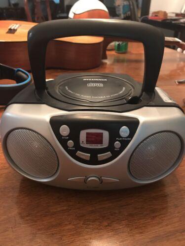 Sylvania Compact Disk Radio