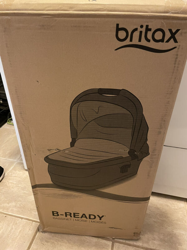Britax B-Ready Bassinet   Black   BRAND NEW IN BOX