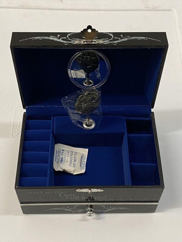 NECA The Twilight  Musical Jewelry Box Bella &Edward Rare!