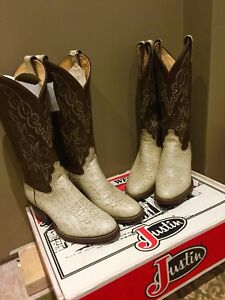 Women's Justin cowgirl boots (New)