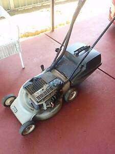 Victa 1991 sprinter lawn mower 2 stroke for parts/not working Rosemeadow Campbelltown Area Preview