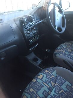 Daewoo sedan 2001