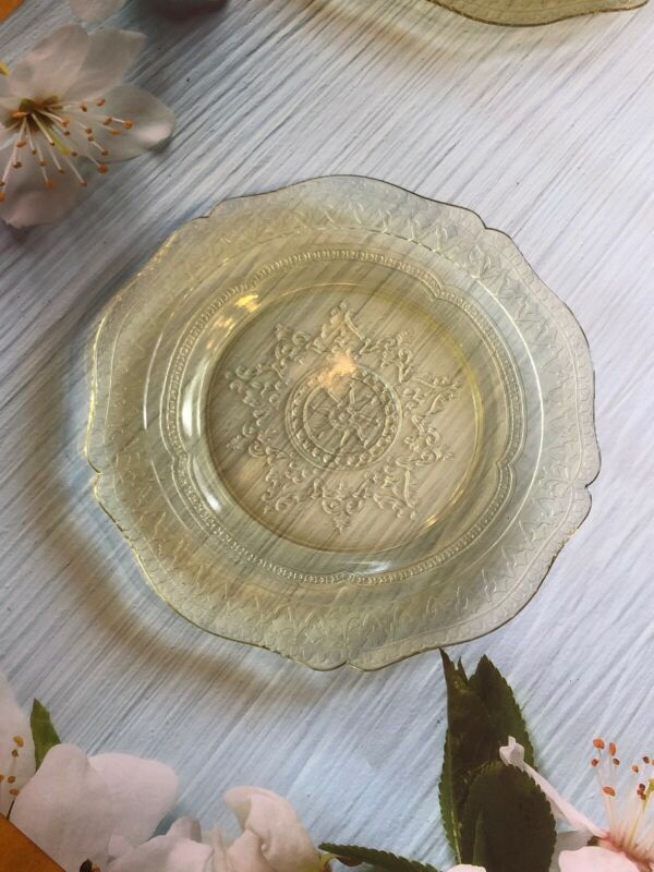"""VINTAGE YELLOW AMBER DEPRESSION GLASS 9"""" PLATE FEDERAL PATTERN PATRICIAN 1930s"""