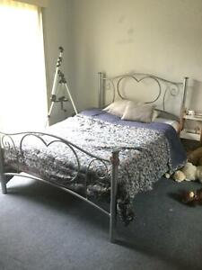 Double bed frame Oakleigh East Monash Area Preview