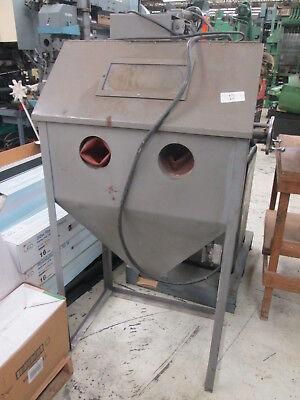 Sand Blasting Enclosure 29 X 20 Inside Dims 115v 1ph Wwand No Media Included