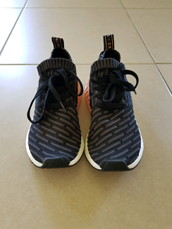 Adidas NMD_R2 Primeknit Black sz 7.5