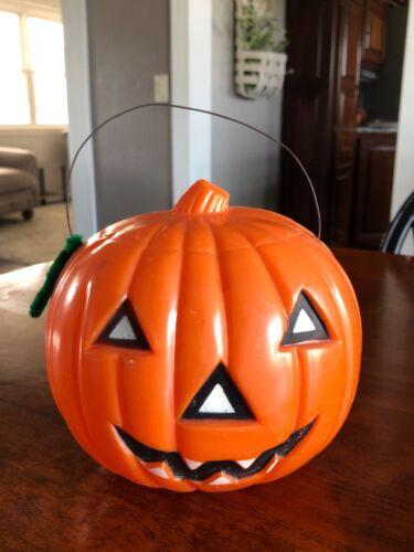 Vintage Halloween Hard Plastic Hanging Jack-o-Lantern Pumpkin Light Lantern Lamp