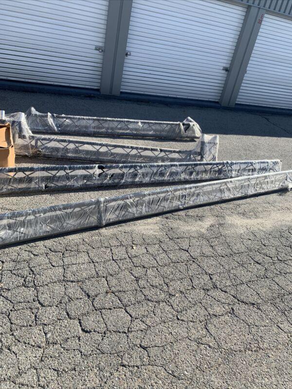 Aluminum electric light truss