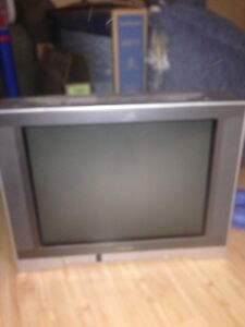 free toshiba 27 inch crt works great just got new flatscreen