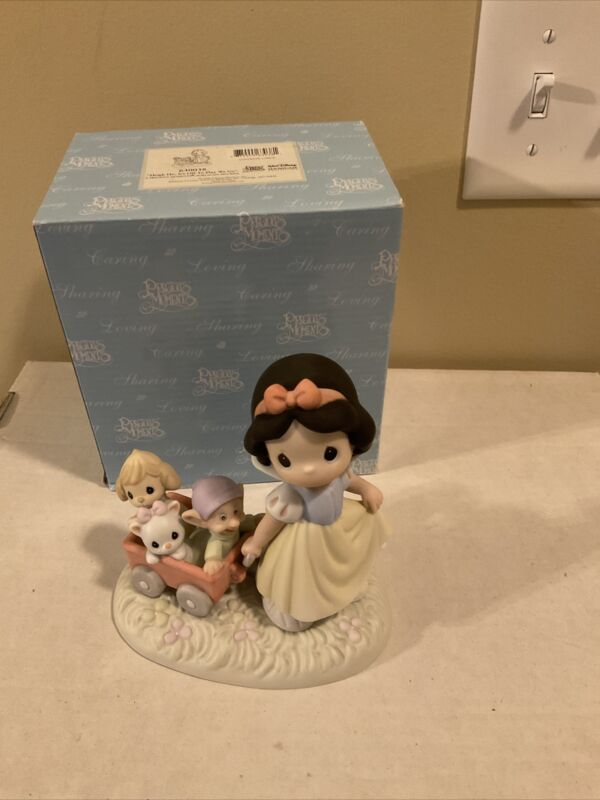"""Precious moments Snow White 630038 """"Heigh Ho, It's Off To Play We Go"""" Disney"""