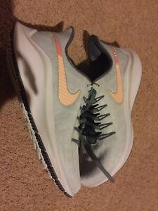 Nike zoom vomero 14 women's running shoes - Brand New