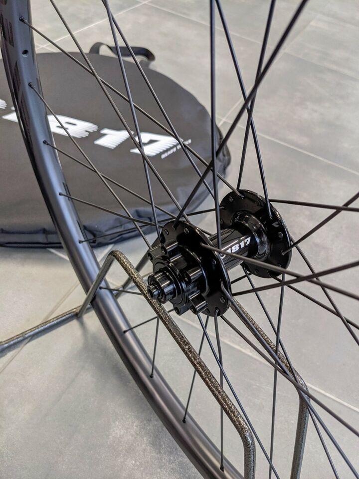 MTB Full Carbon Mountainbike Laufradsatz Laufrad C1817 UVP1090€ in Leipzig