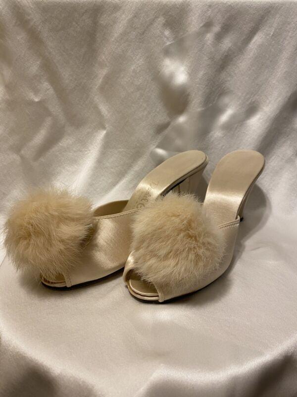 Vintage Daniel Green Comfy Boudoir Slippers Shoes Champagne Beige size 6.5AA