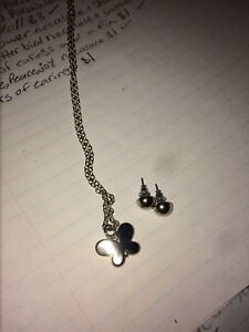 Butterfly necklace and circle earrings