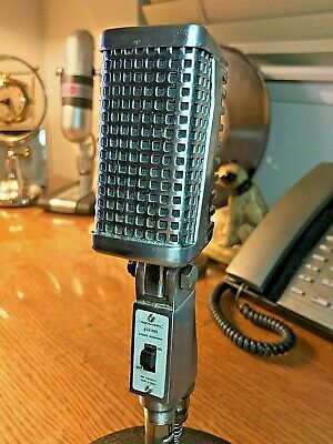 Vintage 1960's Realistc 33-905 Microphone - great condition, working with cable