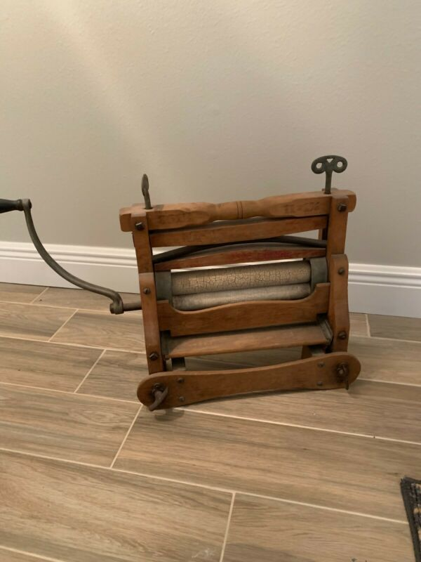antique laundry wringer Universal Brand