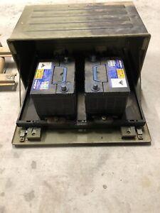 U1700L battery box and batteries