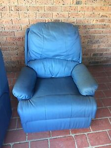 Free x2 Genuine Leather Recliner Lounge Blue Wattle Grove Liverpool Area Preview