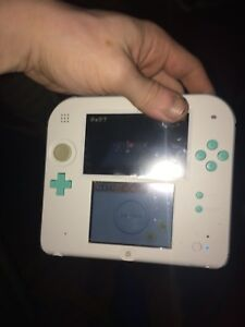 Mint Green 2ds and 4 games